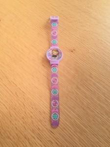 ソフィア紫色の腕時計 5歳娘の誕生日プレゼント