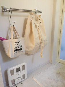 洗濯カゴ おしゃれ かばん型 白 ナチュラル おしゃれ着洗いを入れるために