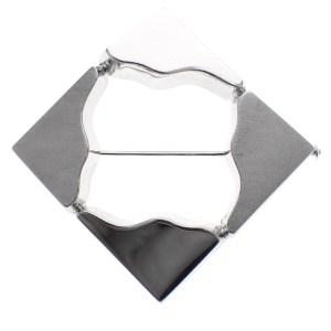 witgouden design broche