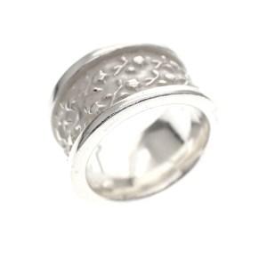 zilveren ring met bloemen