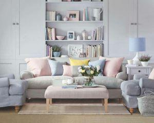 sala de estar con colores pastel pálidos