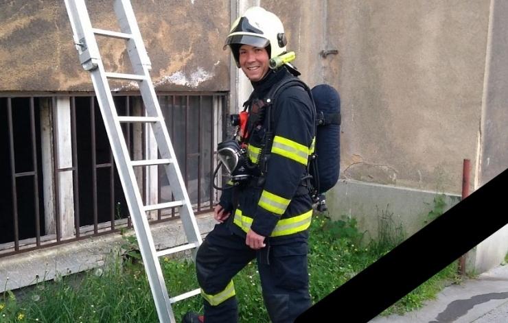 SMUTNÁ ZPRÁVA: V sile betonárky tragicky zemřel při brigádě ústecký profesionální hasič