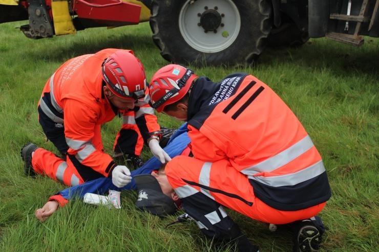 AKTUALIZUJEME: Rallye Ostrov 2018: Záchranáři na dva dny obsadili Ostrov u Tisé! Vítěznou posádkou jsou záchranáři z Loun