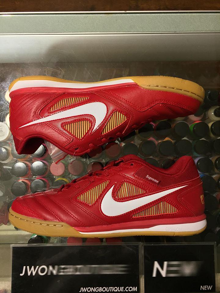 pretty nice f1d27 95276 2018 Supreme Nike SB Gato QS Red