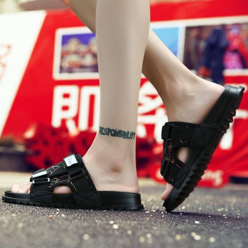 Mens Slippers Outdoor Sandals Womens Slippers Home Men Sliper Black Youth Fashion Platform Mans Shoes Hommes Pantoufles