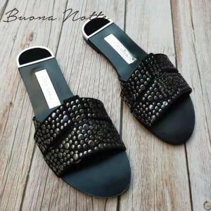 Women Outdoor Summer Slipper  Plus Size 35-41 Ladies Beach Slide Flip Flops Fashion Rivet Open Toe  Female Flip Flops