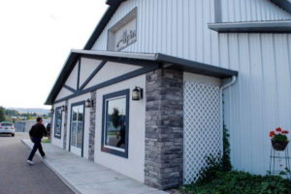 image of alpine animal hospital front door