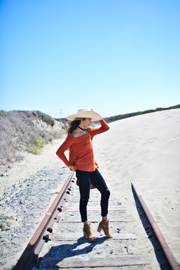 cuppajyo-styleblogger-fashion-lifestyle-travel-pinkarrowsboutique-freepeople-fallfashion-offtheshoulder-sweater-9