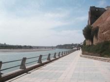 La promenade le long de l'Oum Errabiaa