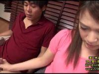 寝ている年下の義母が欲情した息子に体を弄られて母子相姦していく熟女セックス動画