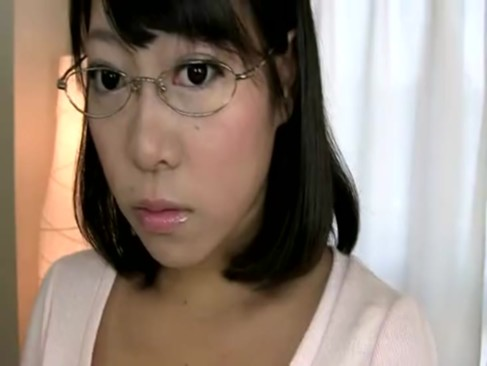 メガネ姿の上品そうなぽっちゃり系三十路美熟女がドMぷりを遺憾なく発揮してるjyukujo動画画像無料