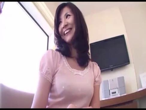 熟年夫婦でセックスレスな四十路美熟女が激しいピストンで痙攣絶頂してる日活 無料yu-tyubu 昭和