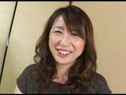 笑顔が素敵な五十路熟女が下着でインタビューしてセックスする塾女性雑誌50代尾 無料