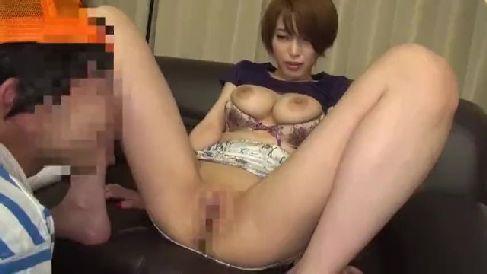 巨乳な美熟女のAV女優君島みおが3Pプレイやローションプレイで中出ししていく熟女セックス動画