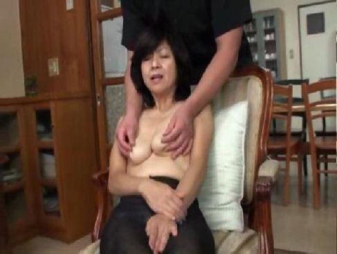 地方在住の50歳の普通のおばさんがポルノビデオ体験をして久しぶりの快感に悶える熟年夫婦生活動画無料