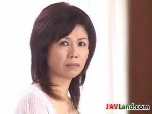 熟年夫婦 夜の生活で満足できず近親相姦もするjyukujo60歳のおめこなおばさんの動画裏無料