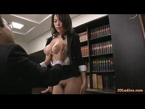 美熟女な社長秘書が性欲管理でおまんこに肉棒を挿入してセックスしてる塾女性誌40a 画像