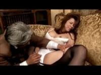 五十路美熟女が和室でがっつりとハメられているjukujyo動画