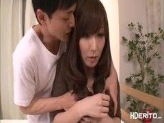 長身美熟女母が息子との近親相姦で絶頂してるjyukujo動画画像無料