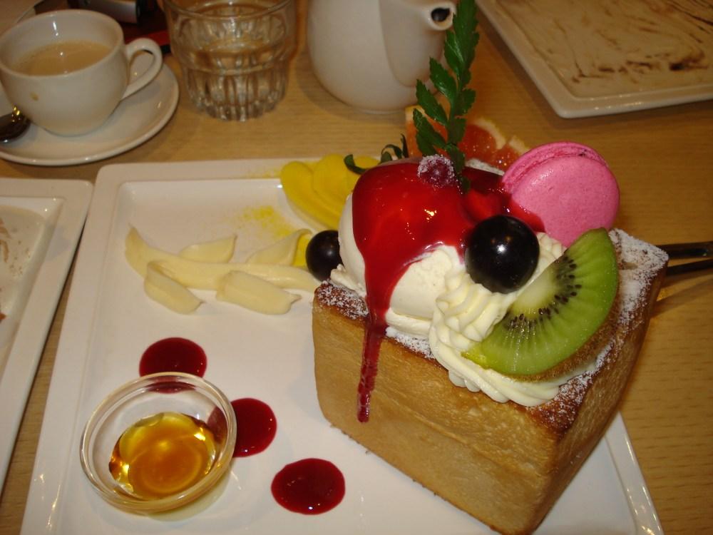 Jyunbugspeaks in Taiwan: Wacky wonderful foods of Taiwan pt.2 - Perfume Dance Cafe (2/6)