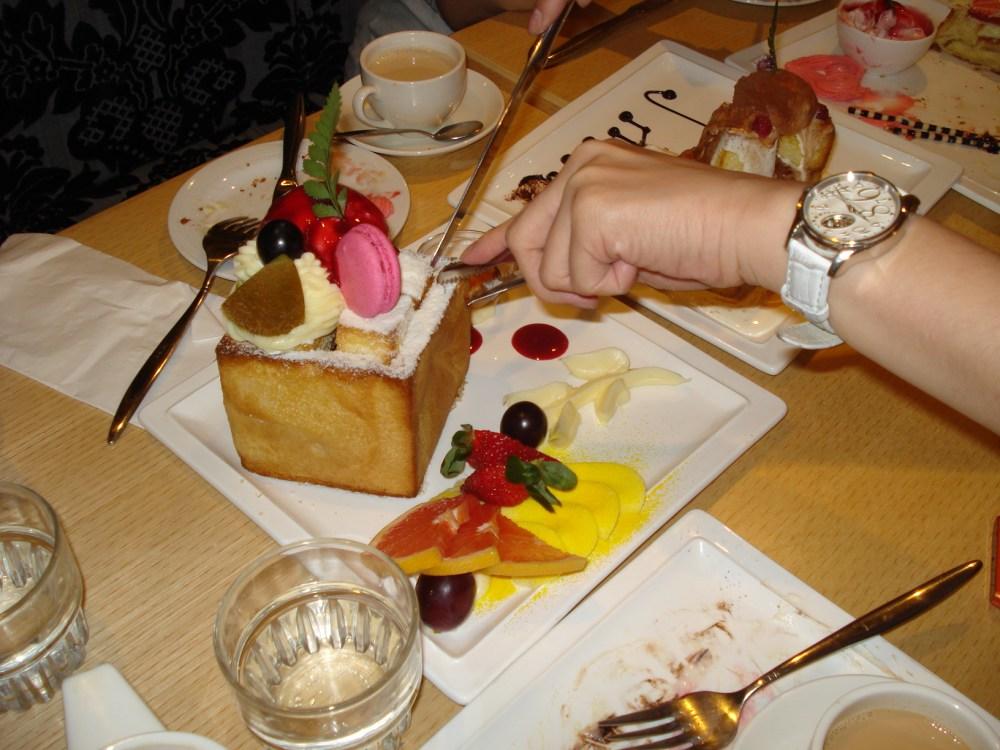Jyunbugspeaks in Taiwan: Wacky wonderful foods of Taiwan pt.2 - Perfume Dance Cafe (3/6)