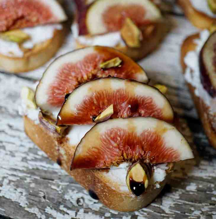 Fig and honey goat cheese toasts