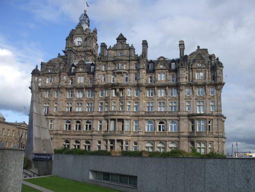 K in Motion Travel Blog. Europe. Edinburgh Castle