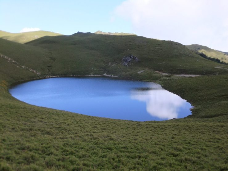 K in Motion Travel Blog. Mesmerising Lakes Around the World. Angel's Tear Lake in Taiwan