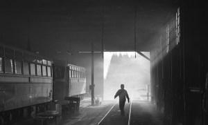 機関庫の朝 七戸駅