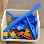 リビングの子供収納を見直し * 男の子の定番おもちゃ「プラレール」の収納方法に悩む…