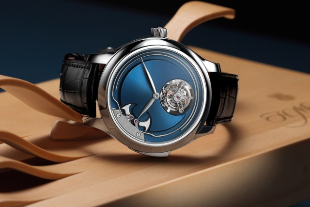 Introducing – H. Moser & Cie. Endeavour Concept Minute Repeater Tourbillon, Now in Titanium with Electric Blue Dial