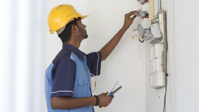 Electrician in Sitarganj