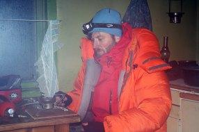Sliten og kald i huset til John Stone Fire i Goahteluoppal.