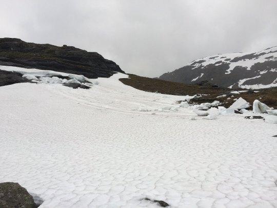 Store isblokker har sklidd ut. (Foto: Marianne Wahlstrøm)