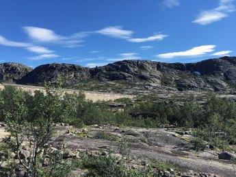 Haugfjellet sett fra nord, med Jernvassdammen.