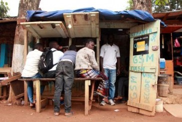 Labé : les cambistes ressentent le poids de l'épidémie du virus Ébola