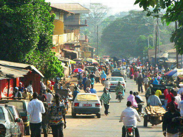 Mamou : panique dans les marchés suite à l'annonce du retrait des «anciens» billets de 5 000 francs