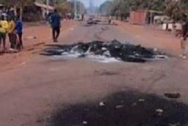 Boké: Le Commissariat de Police saccagé par des jeunes réclamant l'électricité