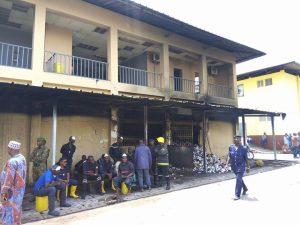 Incendie à la pharmacie centrale de Guinée : ''c'est une véritable tragédie'', dit le ministre de la Santé