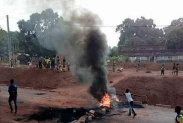 Boké: Des domiciles des agents de sécurité saccagés par des manifestants dans les quartiers