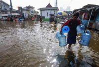 PLN Induk Jakarta Matikan Listrik di Daerah Banjir