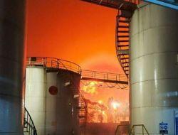 Tangki Pertamina di Kilang Cilacap Alami Kebakaran