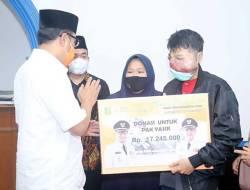 Walikota Sukabumi Kembali Serahkan Bantuan Undunan Online untuk Warga yang Membutuhkan