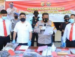 Bunuh Suami Sendiri, Polisi Tetapkan Istri Juragan Emas Jayapura Jadi Tersangka