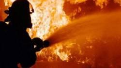 Diduga Korsleting, Pabrik Di Kelapa Gading Alami Kebakaran