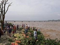 150 Orang Tewas Akibat Banjir di Nepal dan India