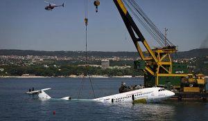 TU154 sedang ditenggelamkan