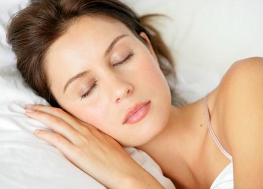 wanita,tidur,insomnia,cewek,perempuan,bangun pagi,tidur malam