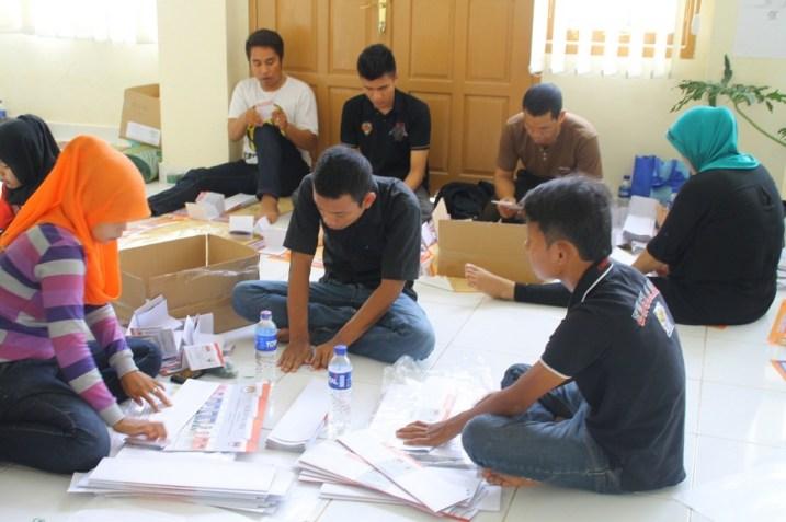 Suasana Pelipatan Suara di KPUD Padang