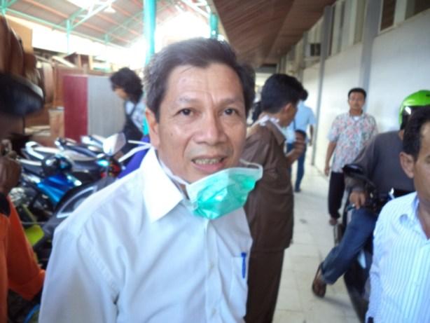 Wakil Rektor III Unand Novesar Jamarun di RS M Jamil Padang